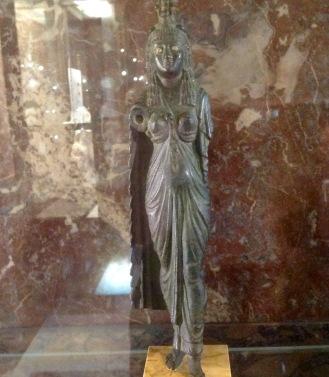 Statue de la reine Cléopâtre. Louvre.